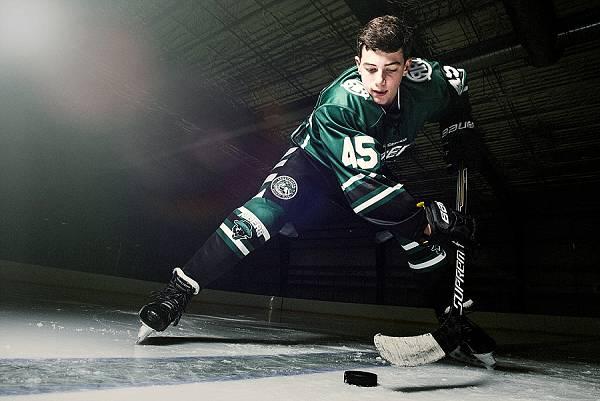 sports photography hockey face off